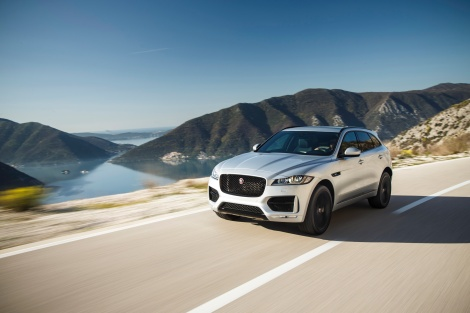 Behind the wheel of the 2019 Jaguar F PaceS